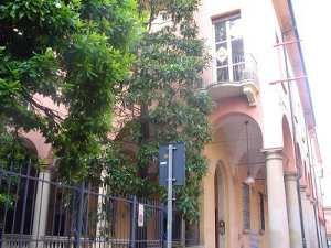 Madrelingua Italian School is in the historic center of Bologna